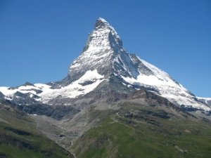 The Matterhorn, perbatasan Swiss dan Italy (14,691 ft.)